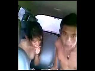 ABG ngentot dalam mobil