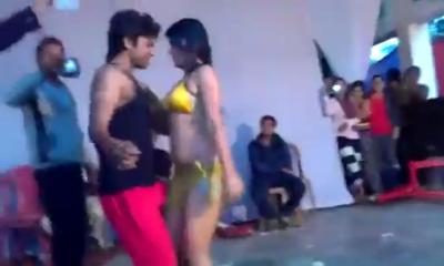 desi Desi Girl Nude Stage Show in Bihar
