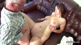 Young babe is about to have sex with an older guy from her neighborhood