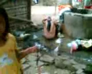 Download vidio bokep Suasana sumur didesa 2 mp4 3gp gratis gak ribet